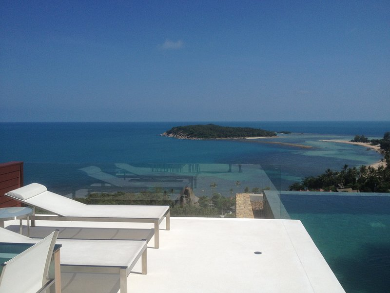 Luxury 3BR Villa, Amazing Ocean View, Private Staff, holiday rental in Surat Thani