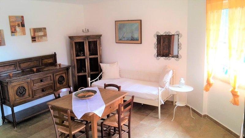Apartamento de 2 dormitorios en Badesi, vacation rental in Badesi