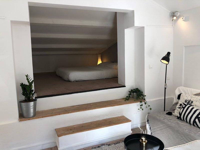 Magnifique pavillon indépendant dans villa avec piscine unique à 10min du centre, location de vacances à Meyreuil