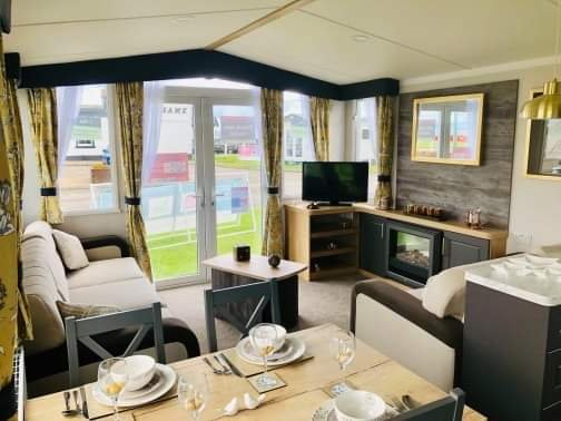 Grannies heilan hame 3 bedroom caravan rental, holiday rental in Cadboll