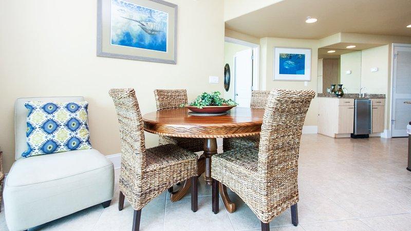 Sedia, mobili, tavolo, tavolo da pranzo, sala da pranzo