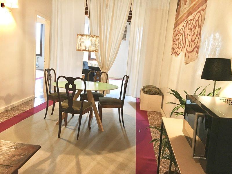 BENCIVIENI Red - Eleganza e comfort nel cuore di Treviso, holiday rental in Carbonera