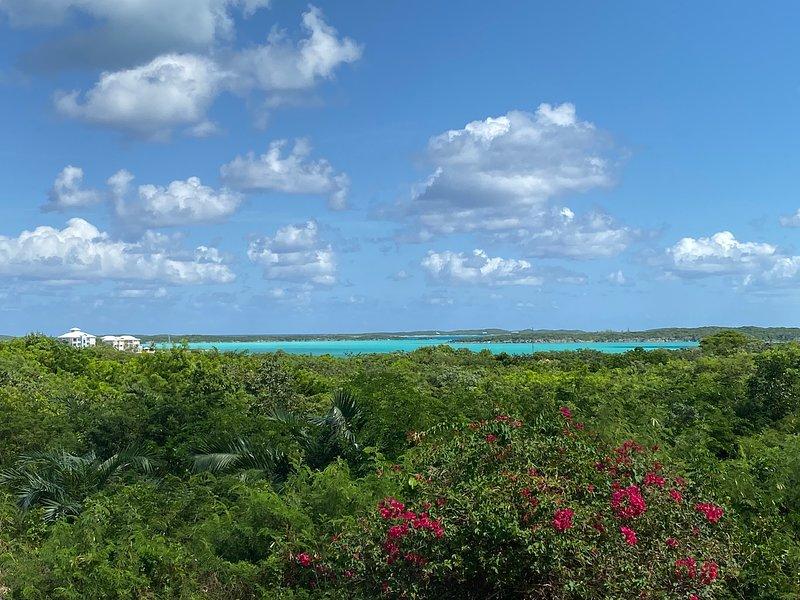 Ventana del Mar - Exuma. overlooking the beautiful Exuma blue water, holiday rental in George Town