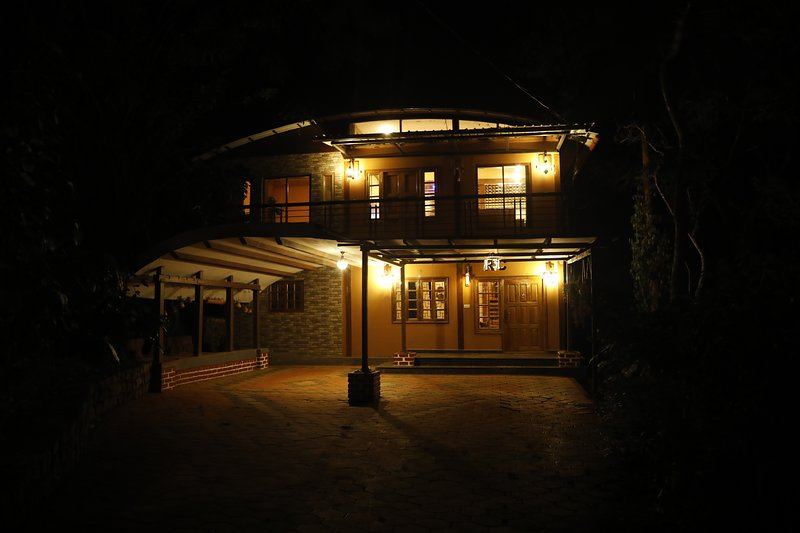 Rustic Charm Wayanad - Barefoot Bungalow, casa vacanza a Thirunelly