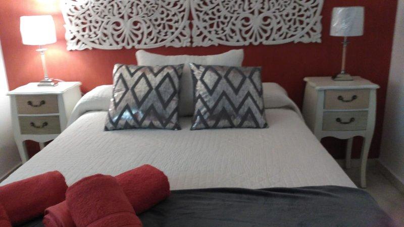 2 quartos com cama de 135cm.