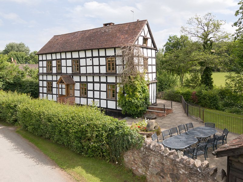 BROOK HOUSE, vacation rental in Cradley