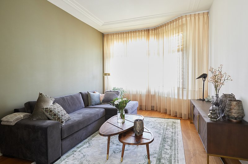Luxury and charming portico apartment near The hague city center, vacation rental in Zoetermeer