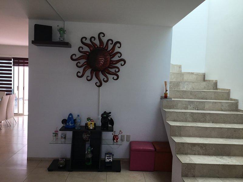 Fracc privado, vig 24/7, compras, feria, vacaciones, centros comerciales, casa vacanza a Leon