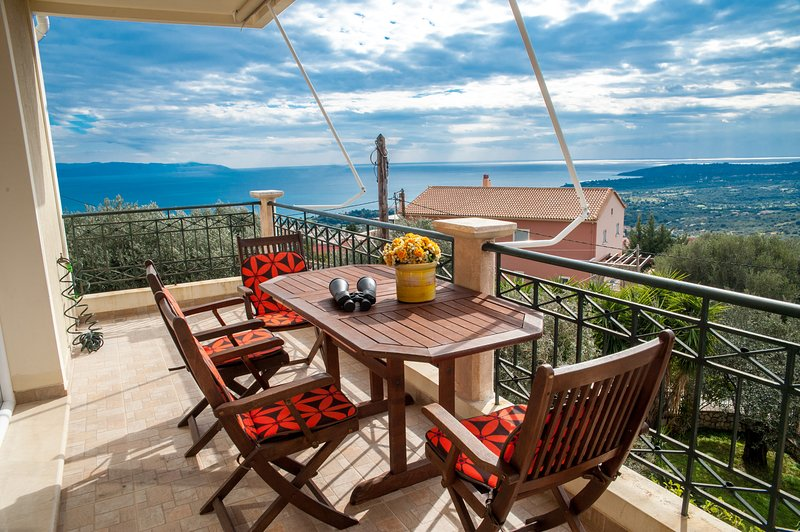 Apartment with Sea View, vacation rental in Mousata