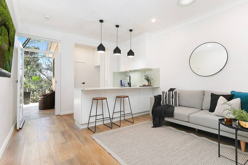 Edgecliff 1 Bedroom Apt With Balcony, holiday rental in Double Bay