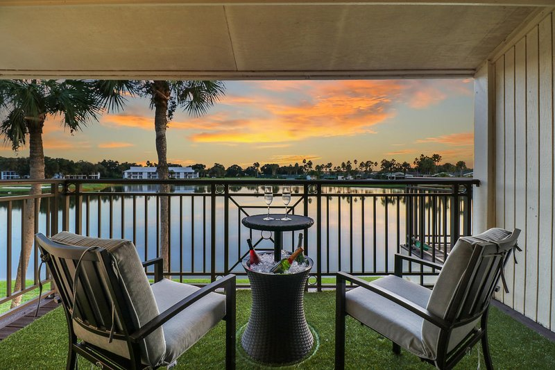 ★ Saddlebrook Amazing View & Spacious 2 bed/2bath★, holiday rental in Dade City