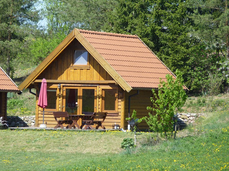 Wooden Cottage in Valley, vacation rental in Kierwik