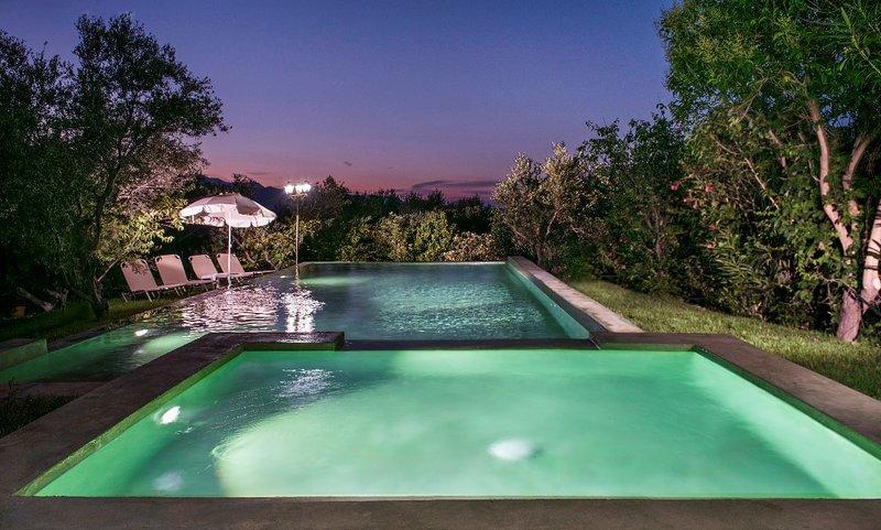 5 bd property, comfortable, amazing view, pool, location de vacances à Vouves