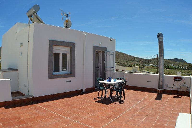 Apartamento con gran terraza y excelentes Vistas, casa vacanza a Los Escullos