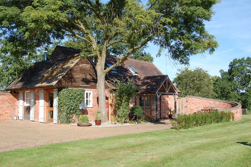 The Stables, holiday rental in Lapworth
