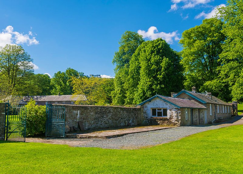 2 Bed Cottage with Mountain views, Glanusk Estate, casa vacanza a Pengenffordd