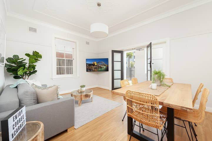 Beautiful Coogee Garden 2 Bed Apartment, holiday rental in Randwick