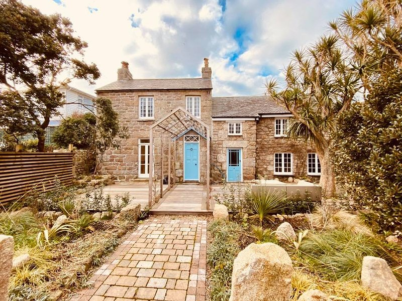 Charlotte House Luxury Self Catering for 6, vacation rental in St Mary's