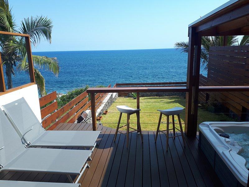 Beautiful apartment with sea view, location de vacances à Saint-Pierre