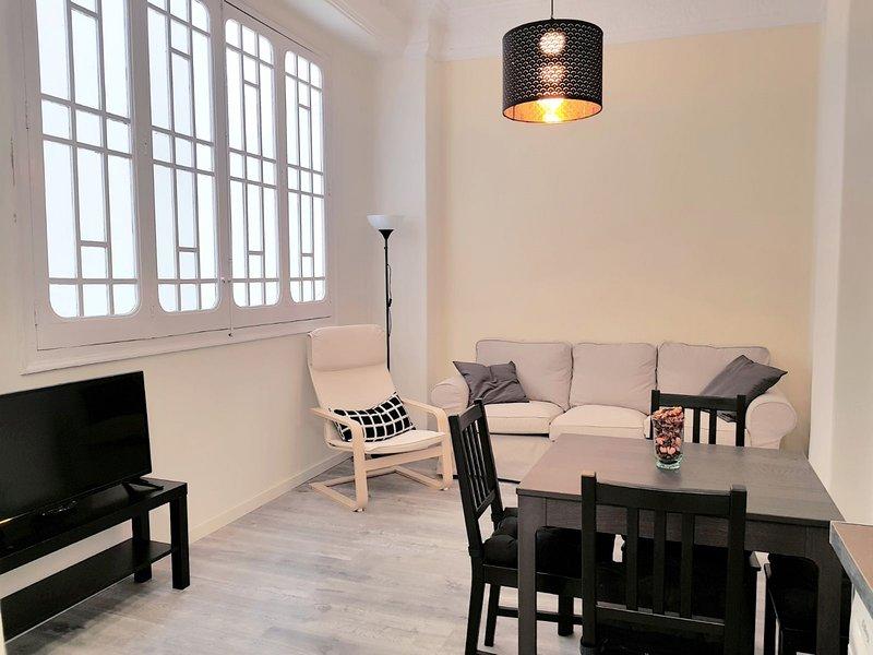 Apartment Pintor Salvador Abril, location de vacances à Canals