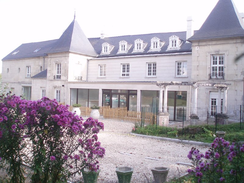TOP APPART HOTEL, holiday rental in Thourotte