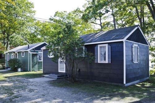 Cabin #2 - M Den, holiday rental in Carp Lake