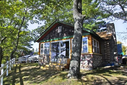 Main Cabin - STARRY NIGHTS, aluguéis de temporada em Carp Lake