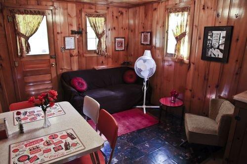 Cabin #6 - Casablanca, holiday rental in Carp Lake