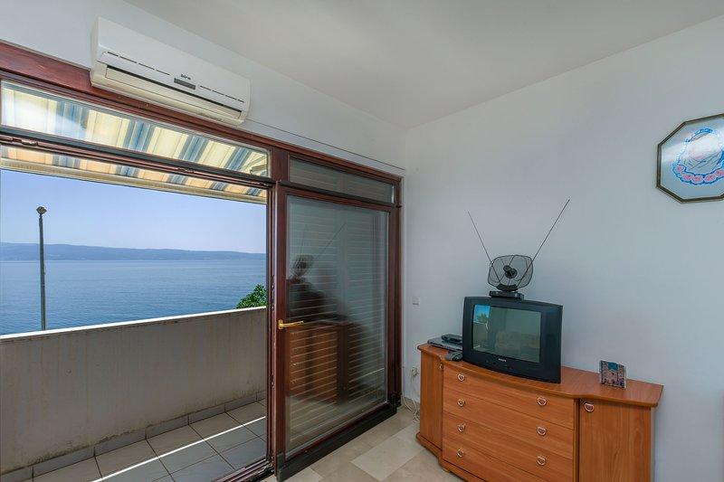 Screen,Home Decor,Indoors,Living Room,Room
