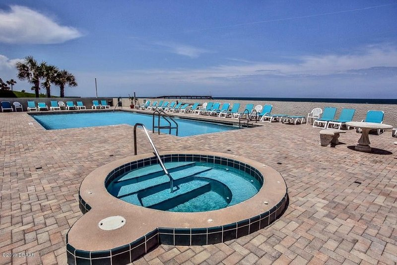 Daytona Area / Ponce Inlet Direct Oceanfront - May Discounted!, vacation rental in Ponce Inlet