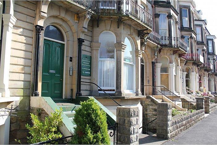 Gardens apartments - Apartment 5 (Above Spa Theatre), location de vacances à Scarborough