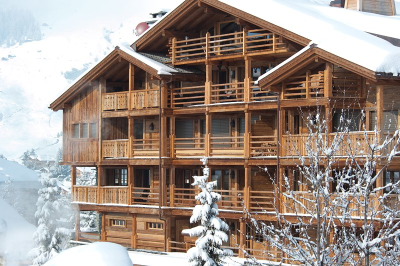104 La Vallèe Blanche Luxury 170 sq mt, 4 bedroom Chalet in the heart of Verbier, aluguéis de temporada em Bagnes