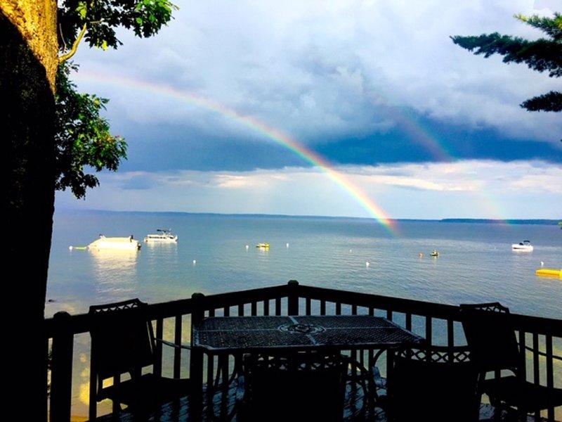 Gorgeous Rustic Luxury Retreat - Historic Shiloh Villa On Sebago Lake!, alquiler vacacional en Standish