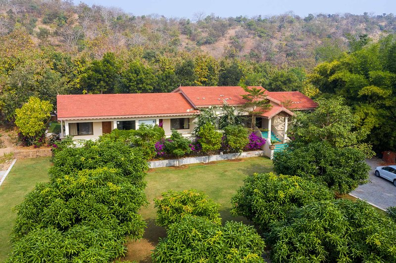 The Wilderness by Vista Rooms, holiday rental in Gujarat