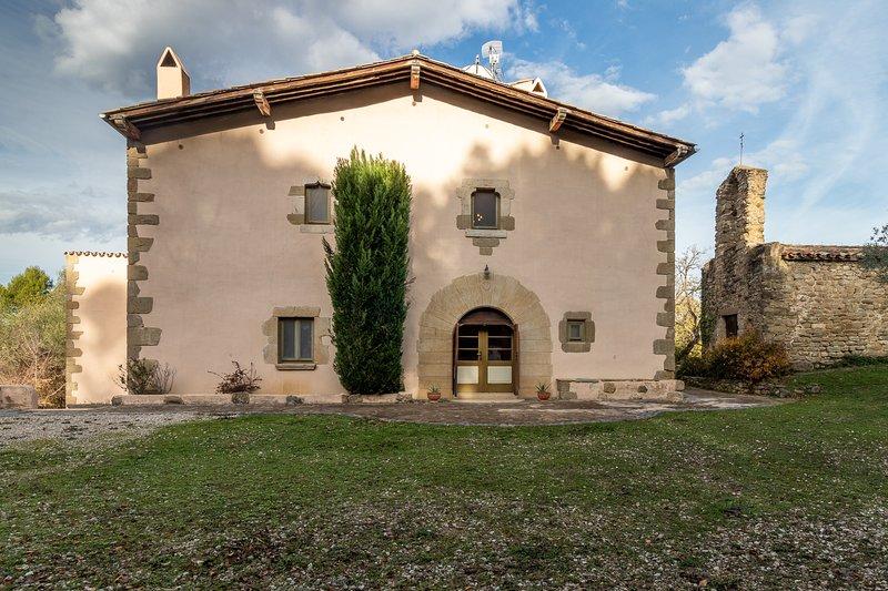 Masía Sant Bartomeu con piscina cerca de Banyoles - Girona, aluguéis de temporada em Centenys