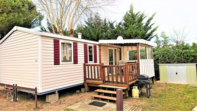 26 Mobil home 3 chambres, vacation rental in Saint-Jean-de-Monts