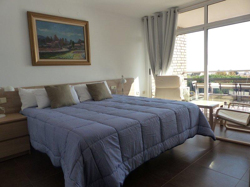 Amplio y bonito piso con vistas al mar, aluguéis de temporada em Premia de Mar