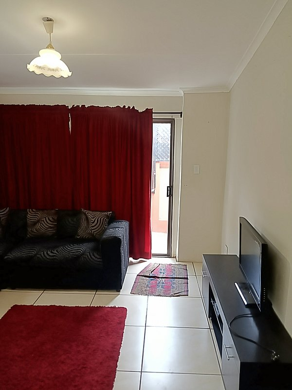 Paradise Self Catering Apartment, holiday rental in Cullinan