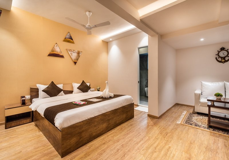 4 Bedrooms suite - Close to Borivali Station, vacation rental in Mumbai