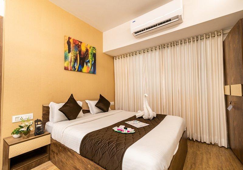 Perk 2 bedrooms + kitchen + WiFi +close to station, alquiler de vacaciones en Thane
