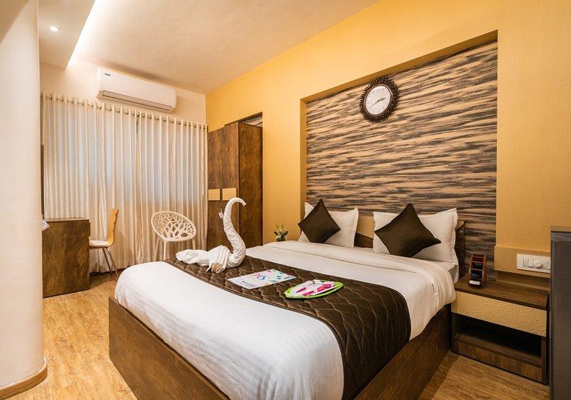 Elegant stay in 2 bedrooms, alquiler de vacaciones en Thane