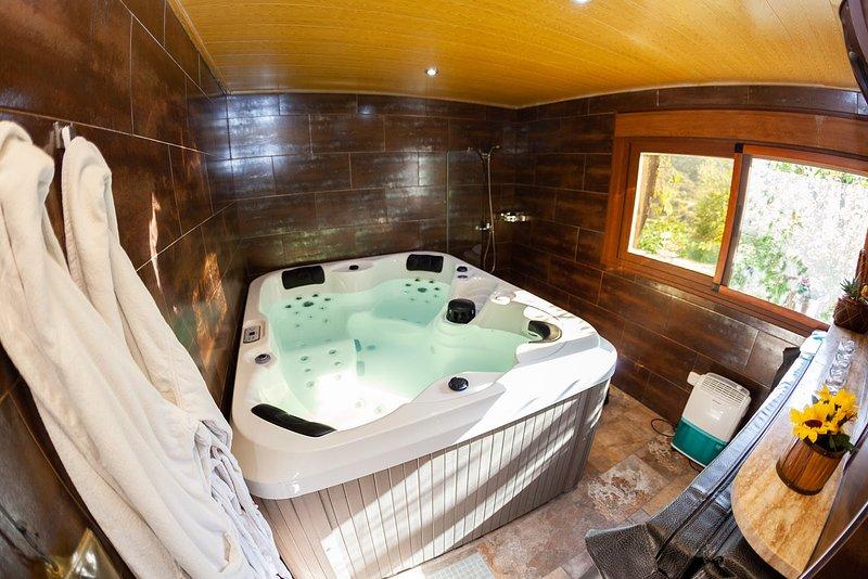 PICACHICO, casa con jacuzzi privado en Almería, holiday rental in Bacares