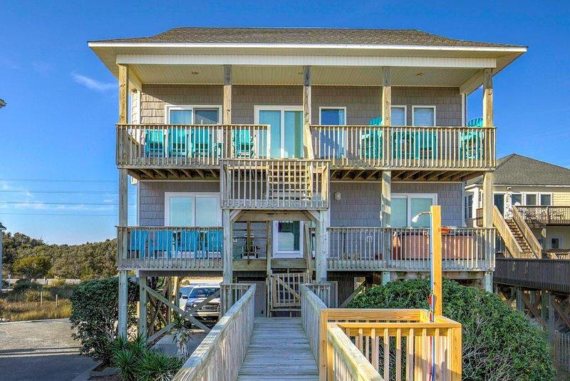 Island Drive 4414 Oceanfront! | Hot Tub, Internet, Pet Friendly, Game Equipment, alquiler de vacaciones en Topsail Island