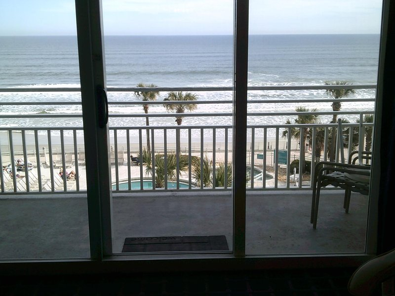 Ocean Walk Resort 508 Magnificent Ocean View, holiday rental in Holly Hill