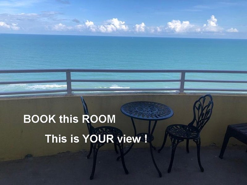 Ocean Walk Resort  1909 Magnificent Ocean Front Balcony Views, holiday rental in Holly Hill