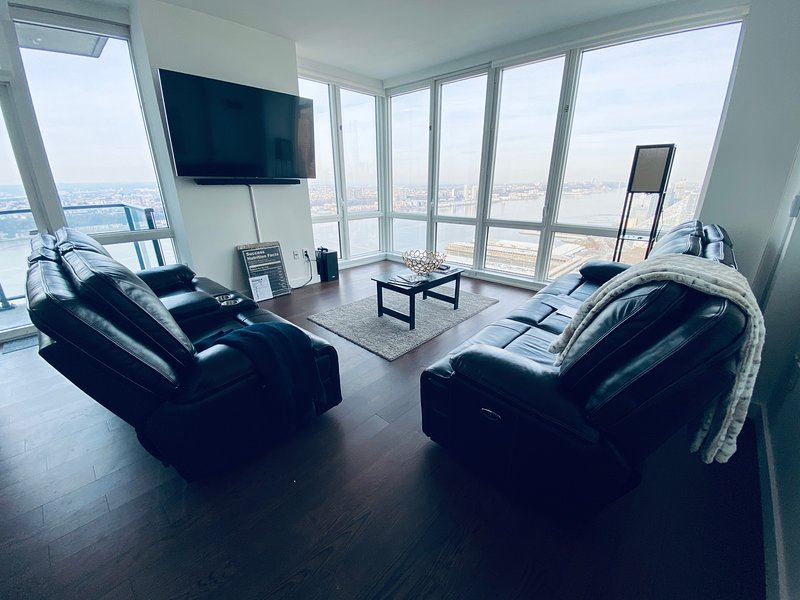 2BR Luxury Apartment NYC, holiday rental in West New York