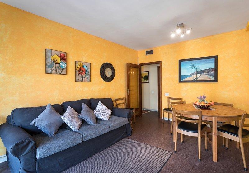 Nice apt near the beach & balcony, aluguéis de temporada em Calella