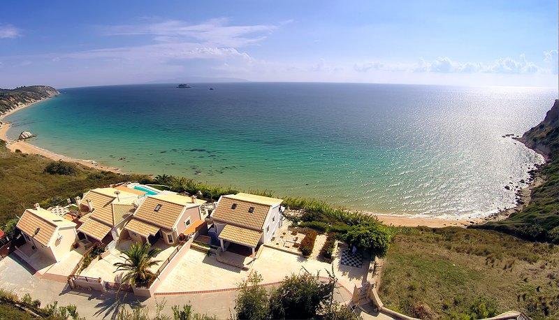 Beach Villa Angelo, Private Beach - Whirlpool Spa, vacation rental in Svoronata