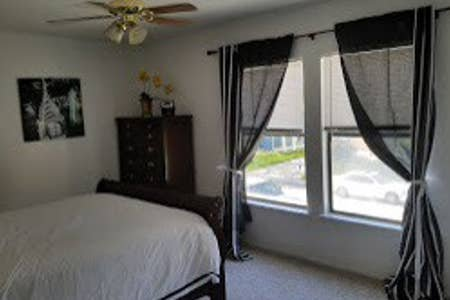 Close2Home-Large Family Home, holiday rental in Schertz
