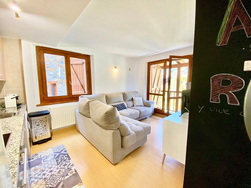 Apartamento Soldeu, montaña, holiday rental in Soldeu
